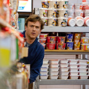 Jeff (Jason Segel) insegue il destino, anche in un supermercato